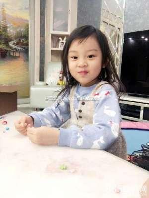 """女汉子变身小淑女,4岁小甜馨逆袭成功,""""长发及腰""""根本就是女版贾乃亮"""